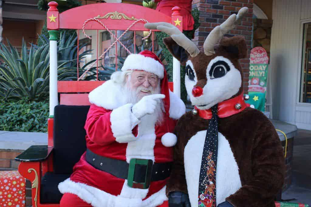 santa-claus-and-rudolph-arizona